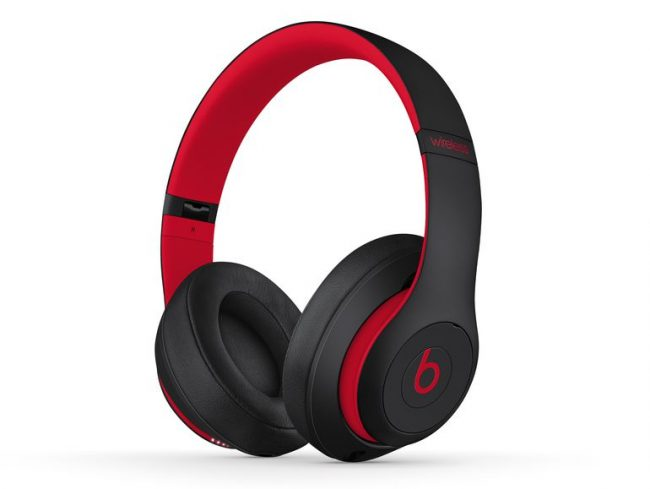 Beats Studio3 Wireless, Decade Collection, Over-Ear-Headset, rot-schwarz